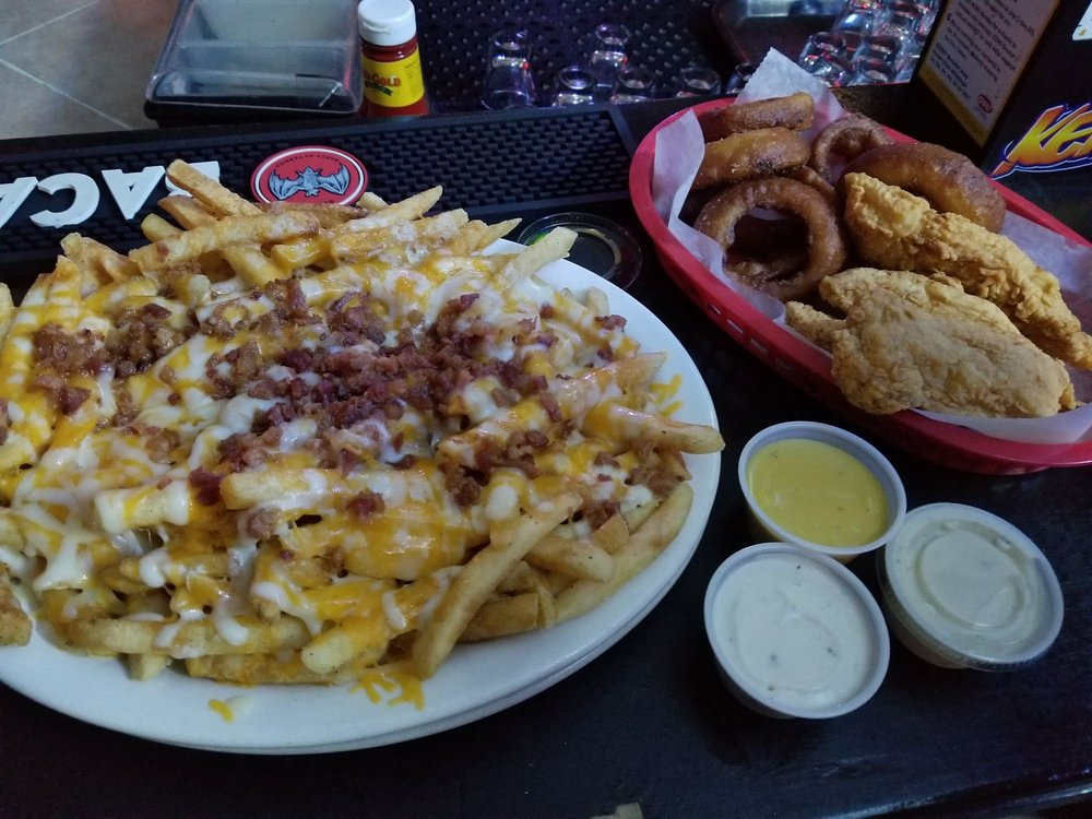 J's Corner Bar & Grill: 2462 Old US Hwy 35 NW, Washington Ct House, OH