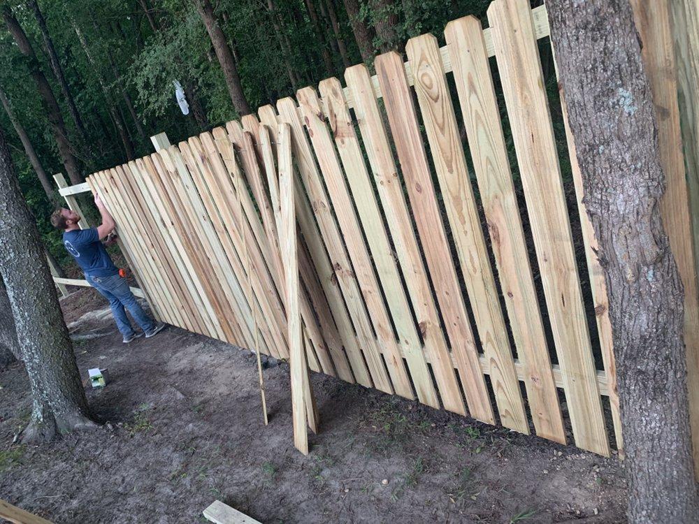 Carolina's Fencing: Elm City, NC
