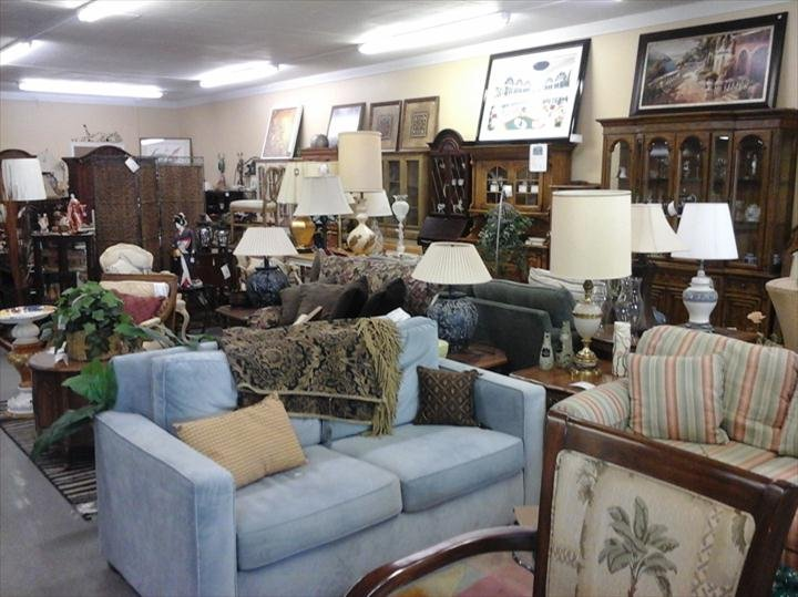 On Safari Consignment: 4711 N Wheeling Ave, Muncie, IN