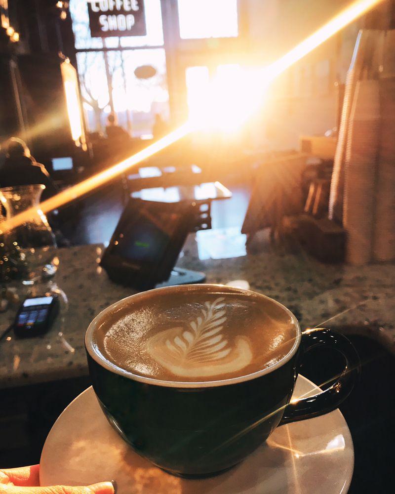 Café Ponté: 727 SW Naito Pkwy, Portland, OR