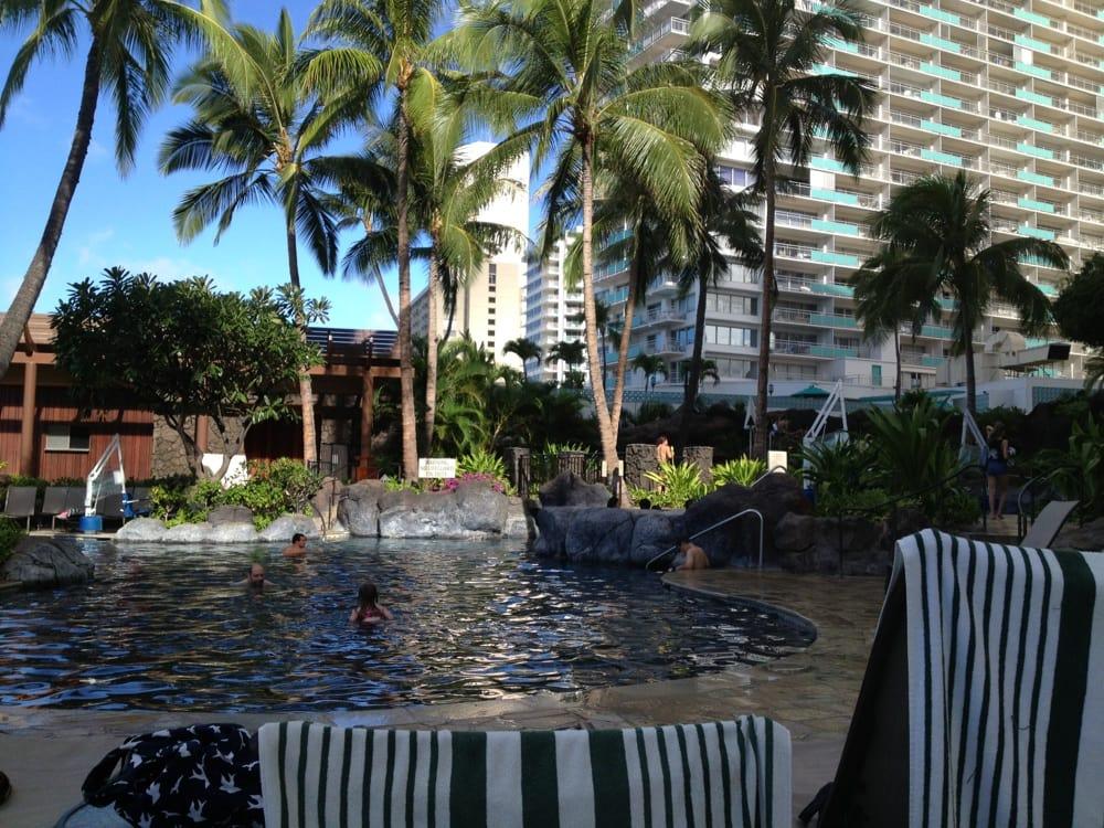 Hilton Hawaiian Village Waikiki Beach Photo Gallery: Paradise Pool- With Slides Hilton Hawaiian Village