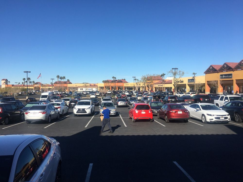 Outlets at Barstow: 2796 Tanger Way, Barstow, CA