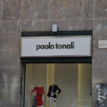 metà fuori ee3de e731f Paolo Tonali - Abbigliamento femminile - Via Giosuè Carducci ...