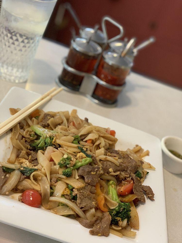 Natalee Thai Cuisine: 1225 S Main St, Yreka, CA