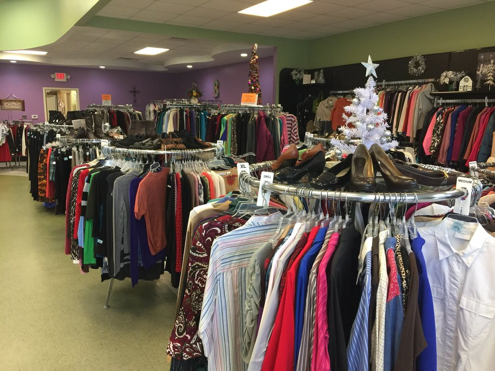Helping Hands Boutique: 2721 Us Hwy 70 E, New Bern, NC