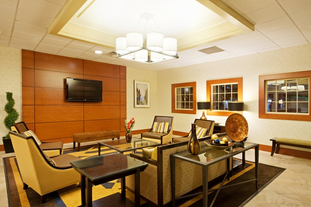 Holiday Inn Mansfield-Foxboro Area: 31 Hampshire St, Mansfield, MA