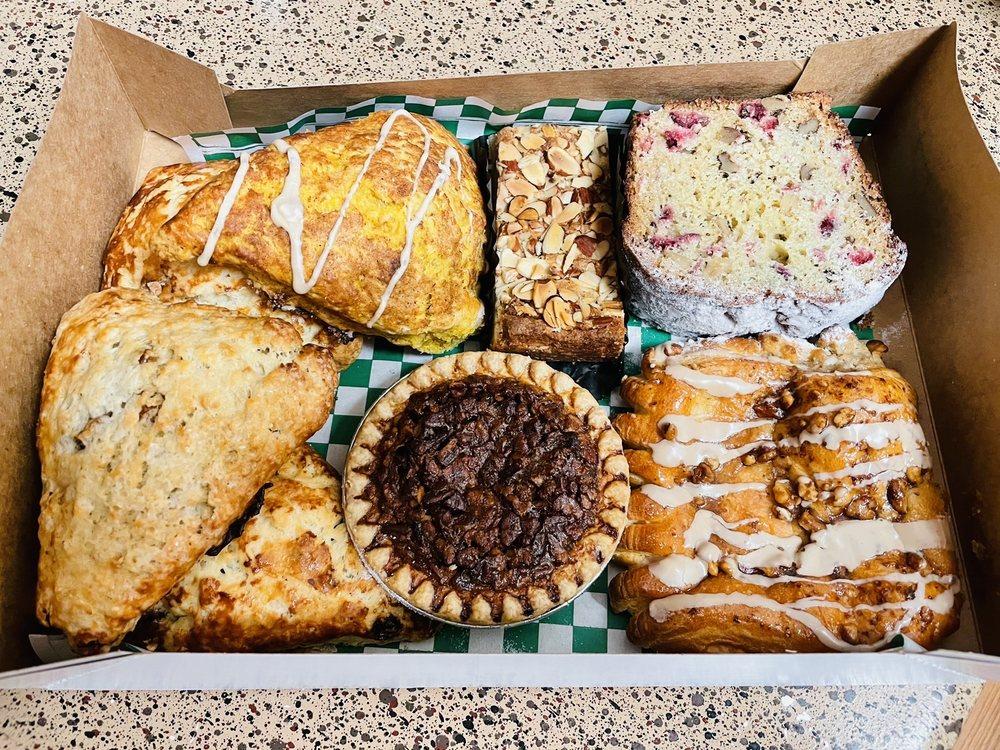 Bear Moon Bakery: 401 S Main St, Boerne, TX