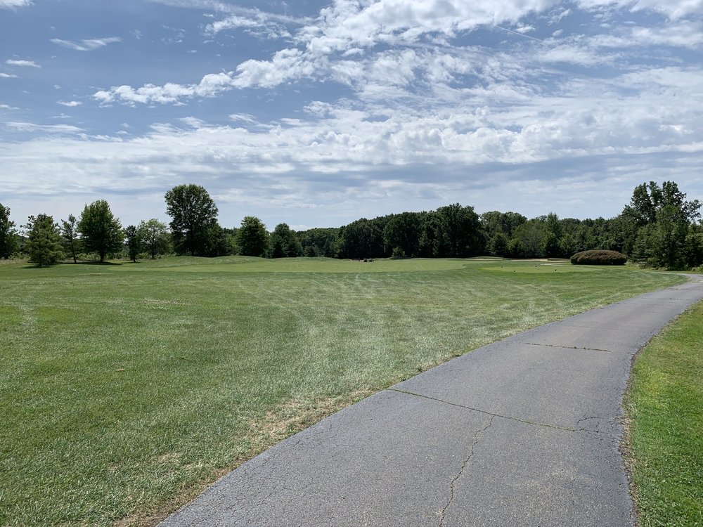 Whittaker Woods Golf Course & Pro Shop: 12578 Wilson Rd, New Buffalo, MI