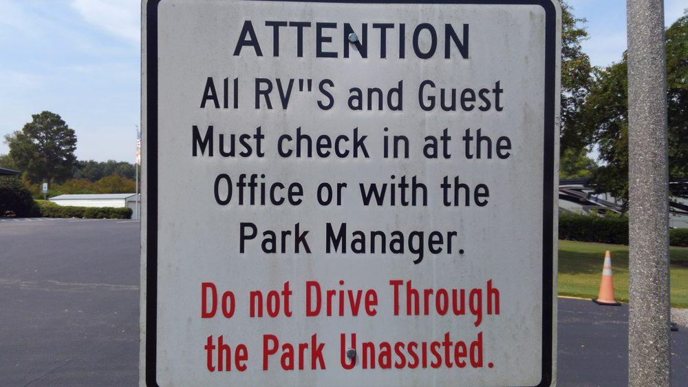 Capital City Rv Park: 4655 Old Wetumpka Hwy, Montgomery, AL