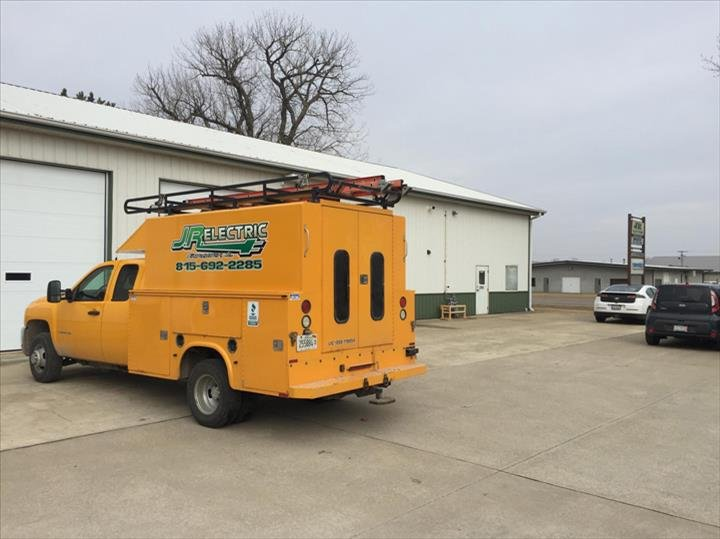 JR Electric: 18 Jan Ln, Fairbury, IL