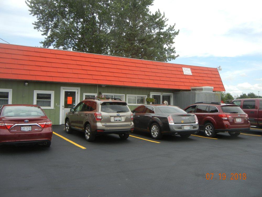 Kathy's Diner: 304 E Mills St, Cadott, WI