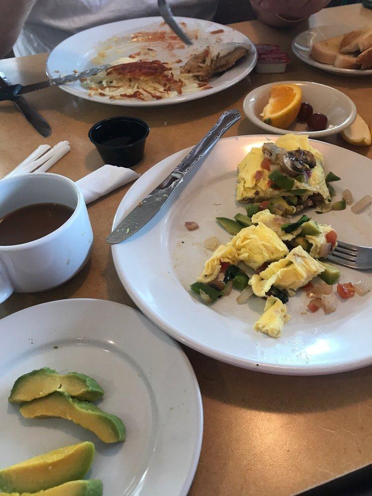 Cafe by Country Kitchen: 1201 E Bridge St, Redwood Falls, MN