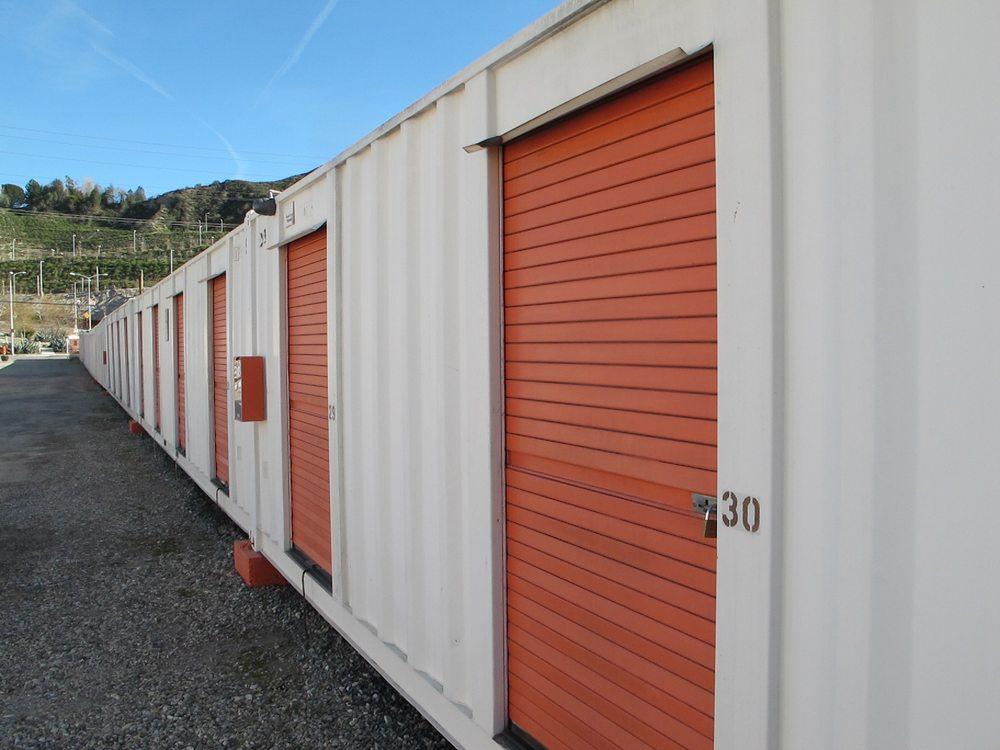 A-1 Sierra Storage: 17175 Sierra Hwy, Santa Clarita, CA