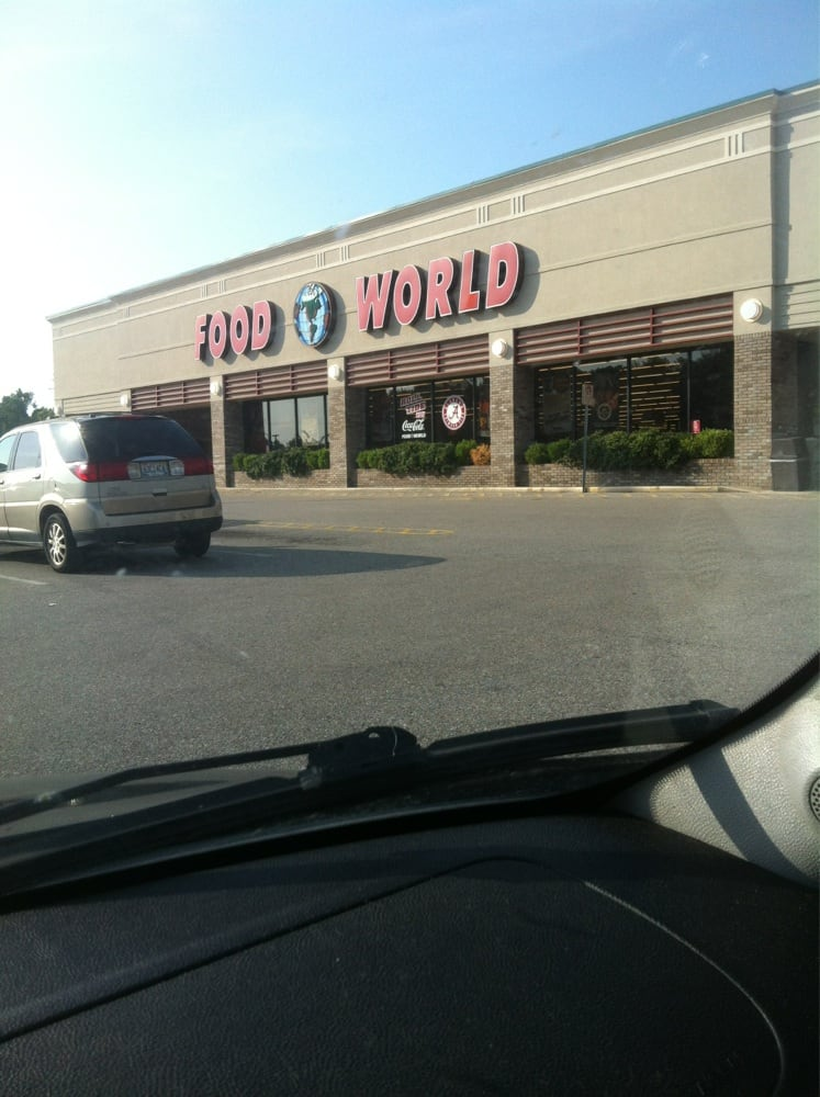 Food World: 4440 University Blvd E, Tuscaloosa, AL