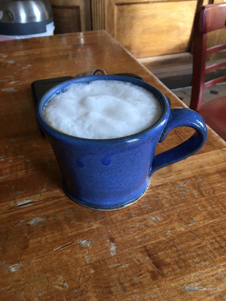 FullBrooks Cafe: 6 Public Sq, Nelsonville, OH