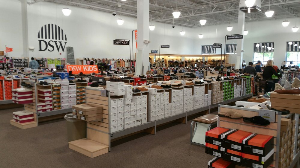 Dsw Designer Shoe Warehouse 35 Photos 10 Reviews S 3615 Witherspoon Blvd Durham Nc Phone Number Yelp