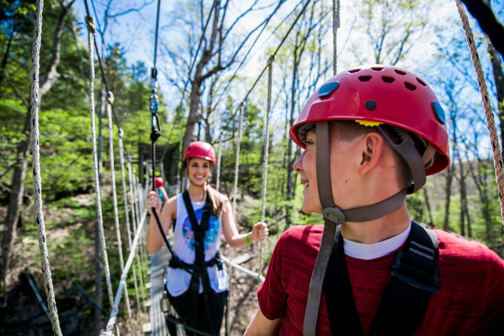 Branson Zipline at Wolfe Mountain: 2339 US Hwy 65, Walnut Shade, MO