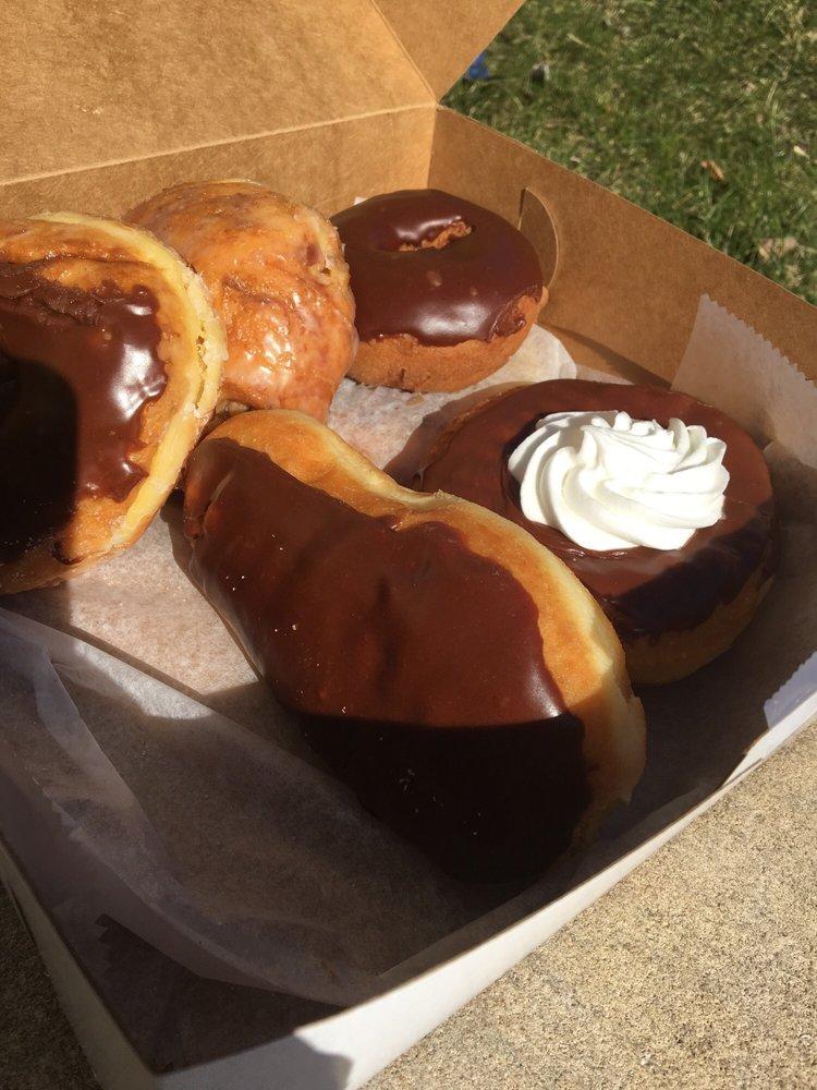 Fingerhut Bakery: 101 E Washington St, Knox, IN