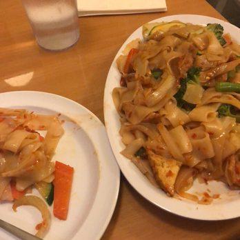Photo Of Anna S Vegan Cafe Sacramento Ca United States Vegetable Chow Fun