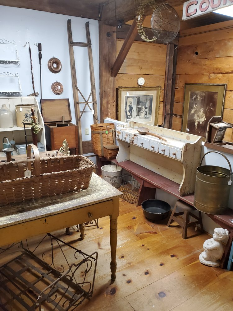 Black Sheep Antique Center: 7608 Western Tpke, Duanesburg, NY