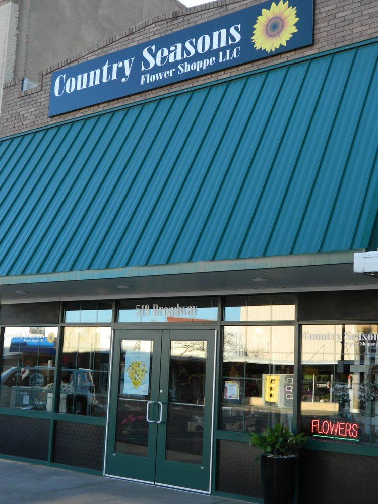Country Seasons Flower Shoppe: 519 Broadway St, Larned, KS