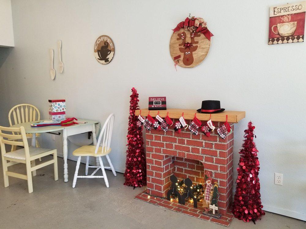Boyd Coffee Shop: 111 W Rock Island Ave, Boyd, TX
