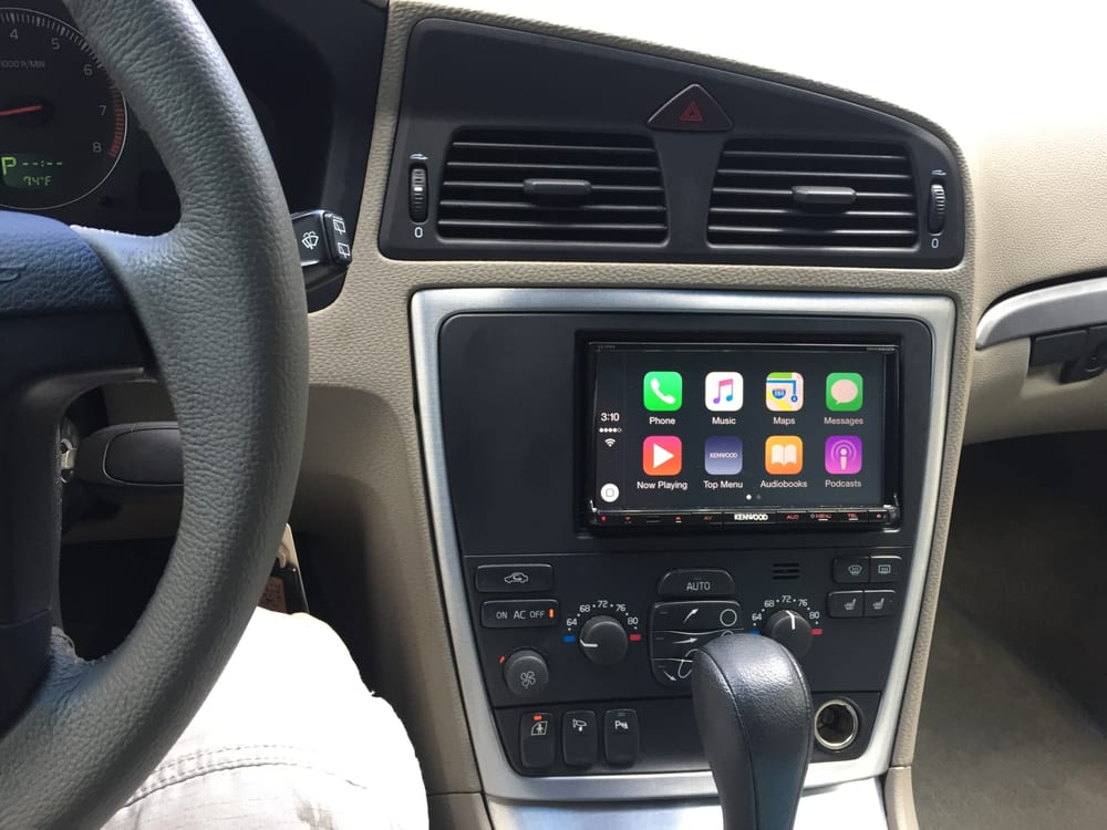 App Radio from Kenwood in a 2006 VOLVO V70 - Yelp