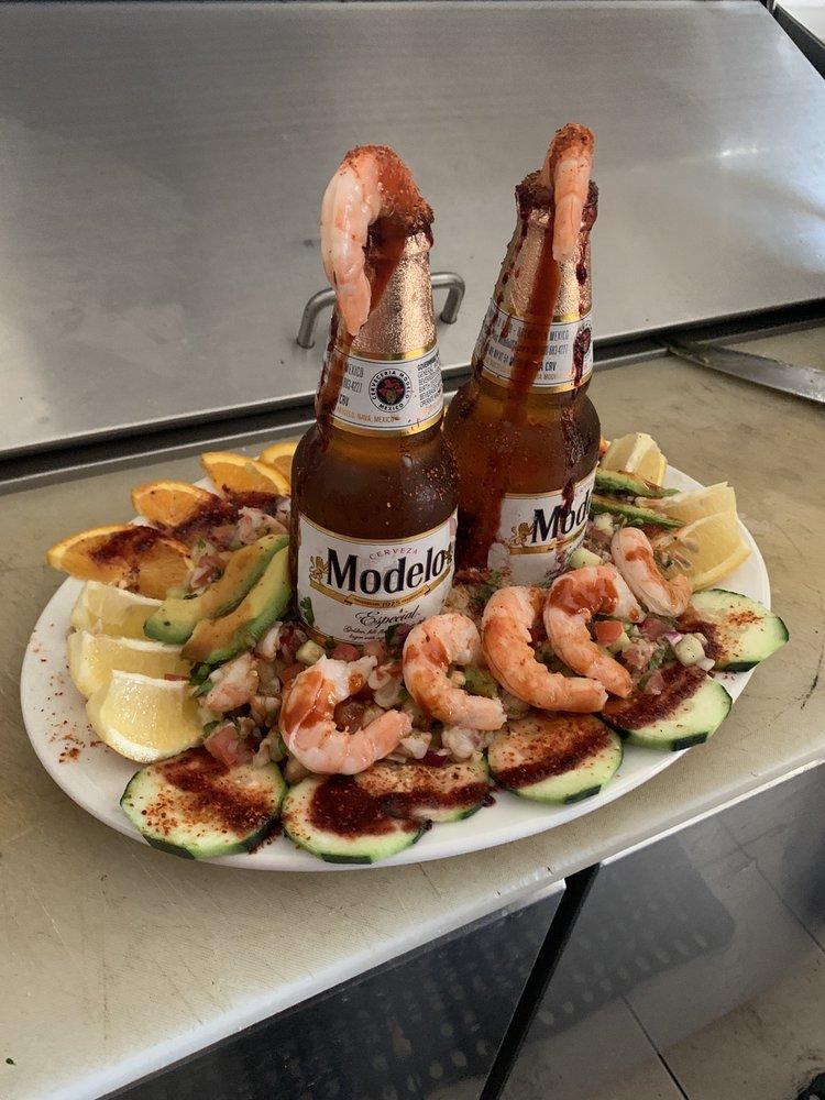 El Burrito Loco Y Mariscos: 133 W Tulare St, Dinuba, CA