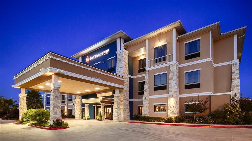 Best Western Plus Lytle Inn & Suites: 19876 I-35 S, Lytle, TX
