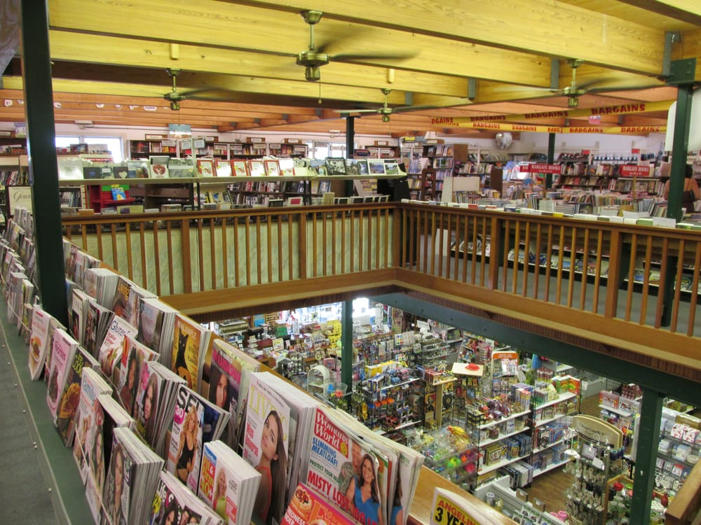 Sherman's Book & Stationery Store: 5 Commercial St, Boothbay Harbor, ME