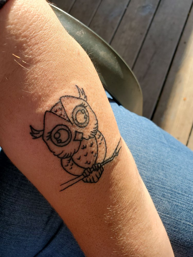 Ambitious Creations Tattoo and Piercing Studio: 10912 County Seat Hwy, Laurel, DE