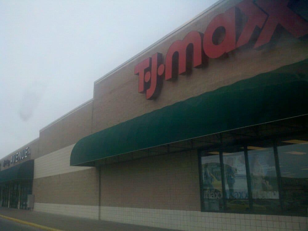 T J Maxx: 3421 Tittabawassee Rd, Saginaw, MI