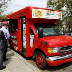 Do Food Trucks Pay To Be At Businesses