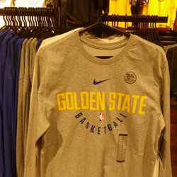 ad7cb3d4766 Golden State Warriors Team Store - 132 Photos & 25 Reviews - Sports Wear -  865 Market St, Union Square, San Francisco, CA - Phone Number - Yelp