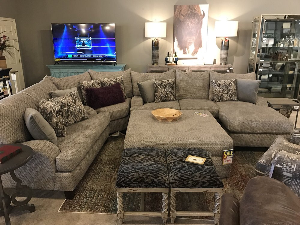 Pedigo Furniture: 3785 US Hwy 190 W, Livingston, TX