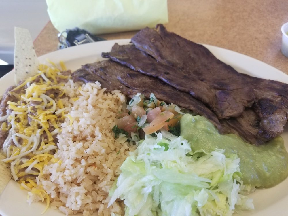 Mauricio's Taco Shop: 1121 US Highway 50, La Junta, CO
