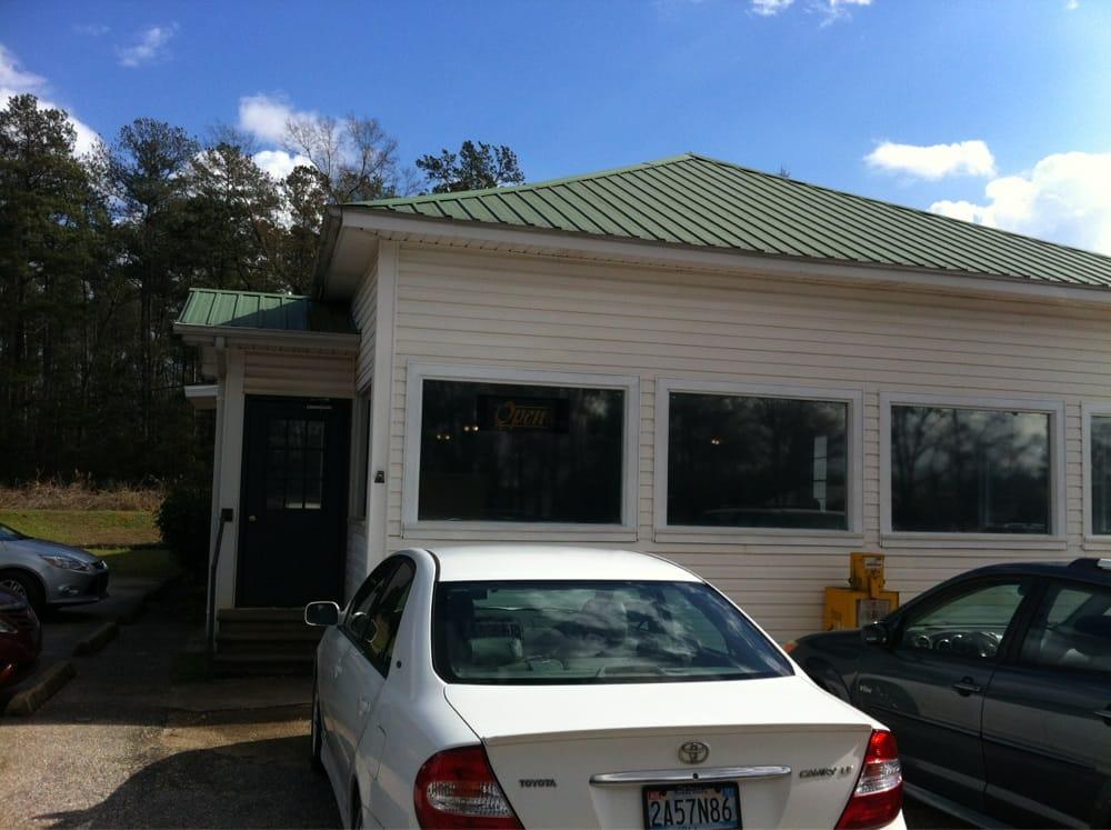 The Whitehouse Restaurant: 15320 Hwy 43 N, Bucks, AL