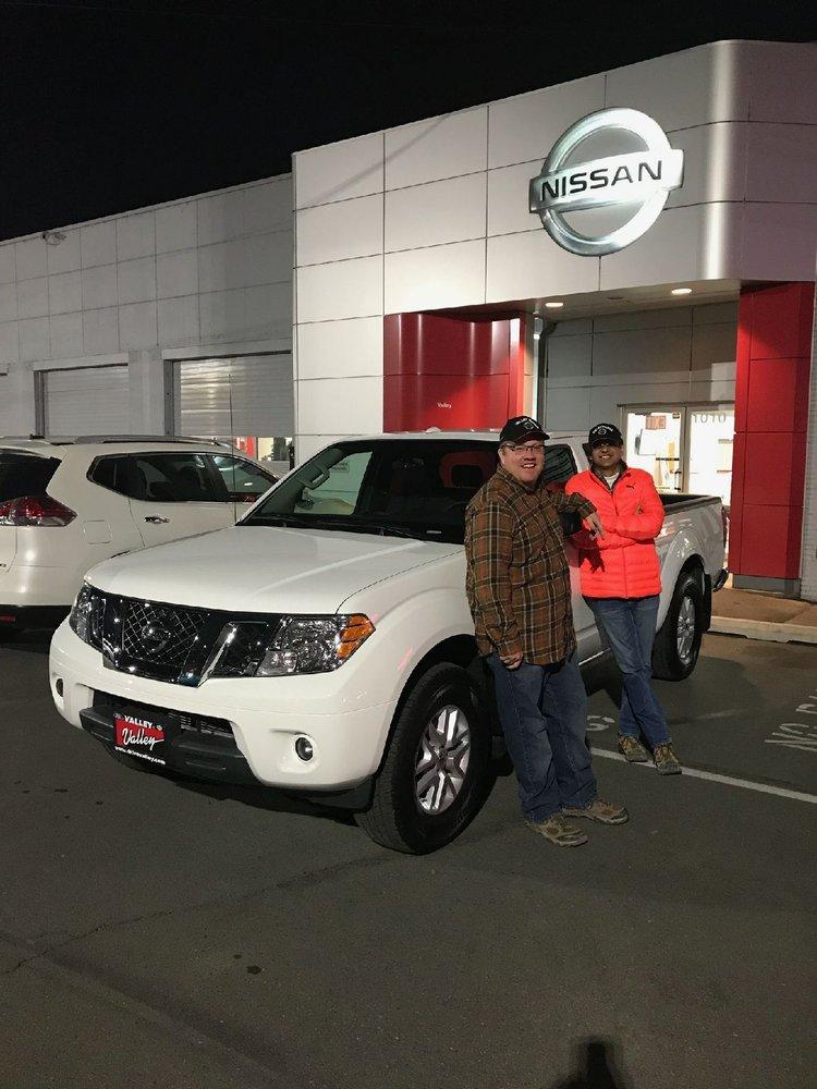 Valley Nissan: 1010 S 1st St, Yakima, WA
