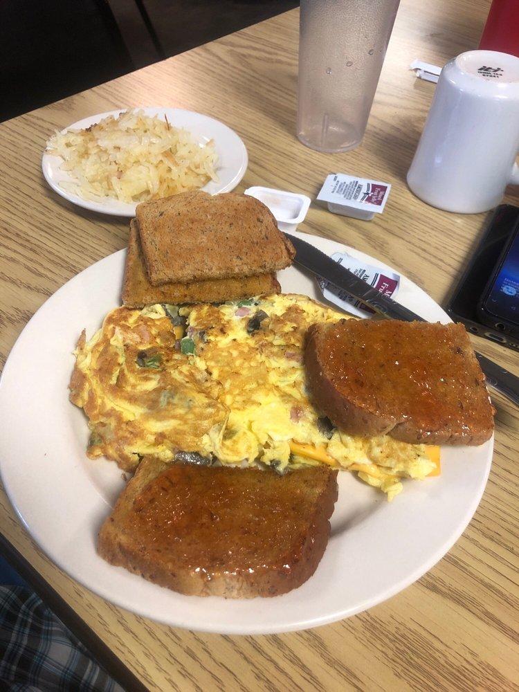 Aunt Judy's Diner: 3475 Fargo Dr, Ashtabula, OH