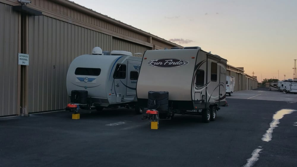 Roadrunner RV Rental: 6260 N Travel Center Dr, Tucson, AZ