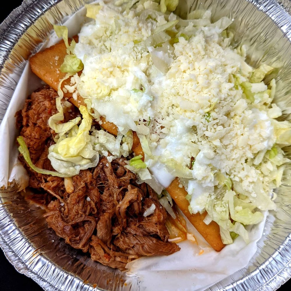 Tacos La Jefa: 3301 Meramec St, St. Louis, MO