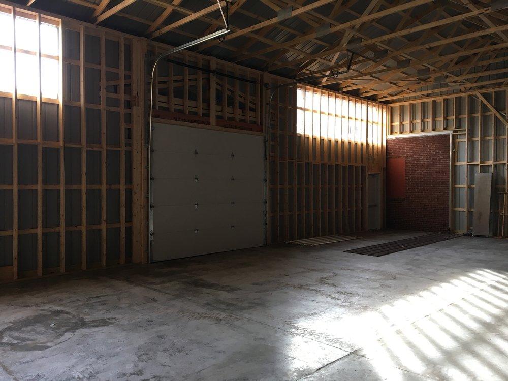 Fry's Flooring: 7 E Main St, Elizabethville, PA