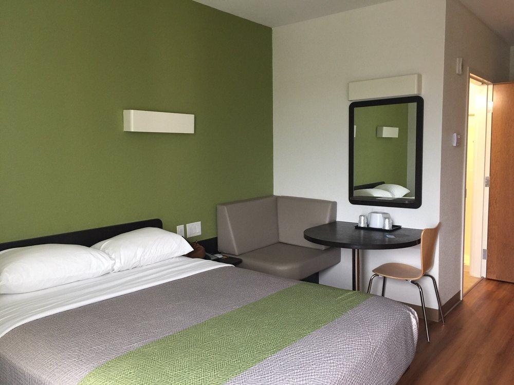Motel 6 Mankato: 1731 Premier Dr, Mankato, MN
