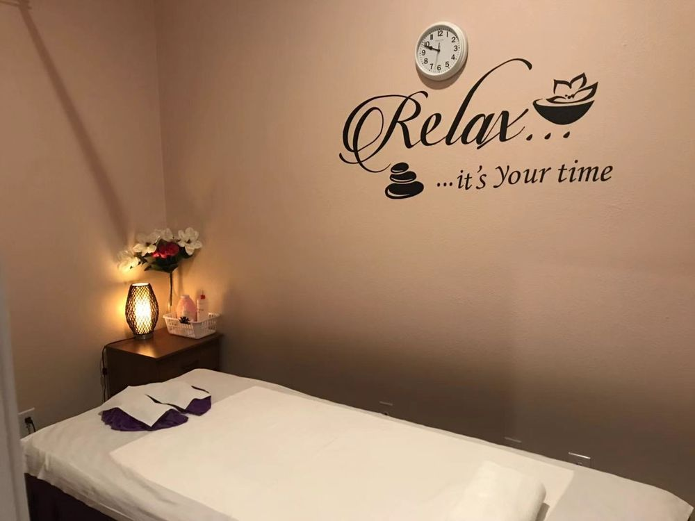 Gold Hand Massage & Spa: 925 Hwy 80, San Marcos, TX