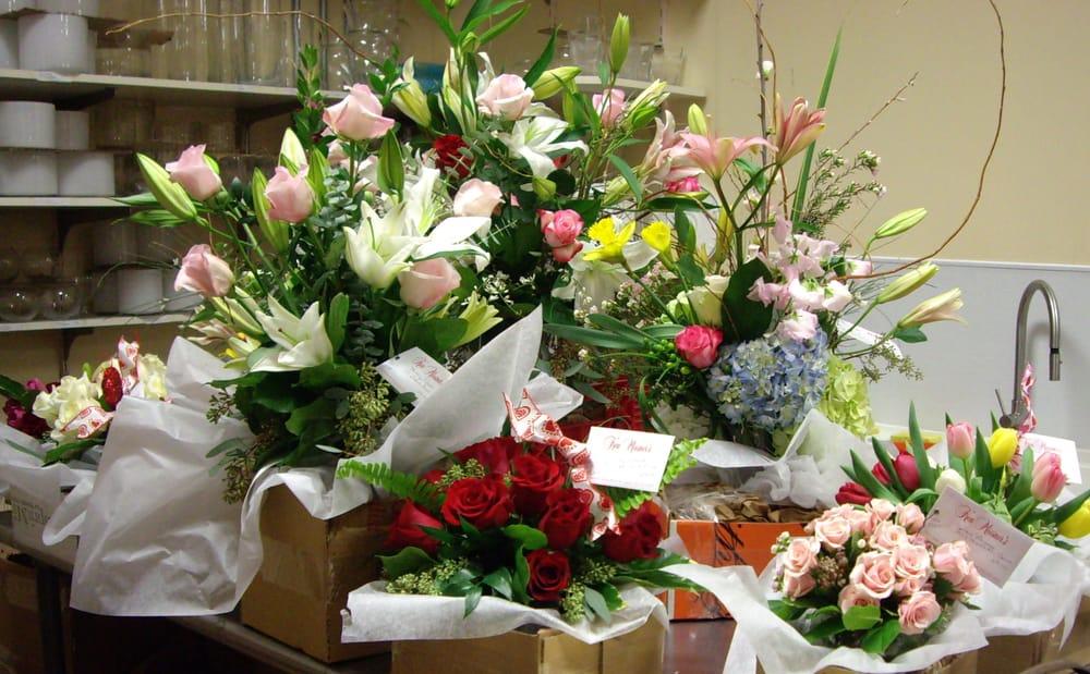 Ken Miesner's Flowers: 9723 Clayton Rd, Saint Louis, MO