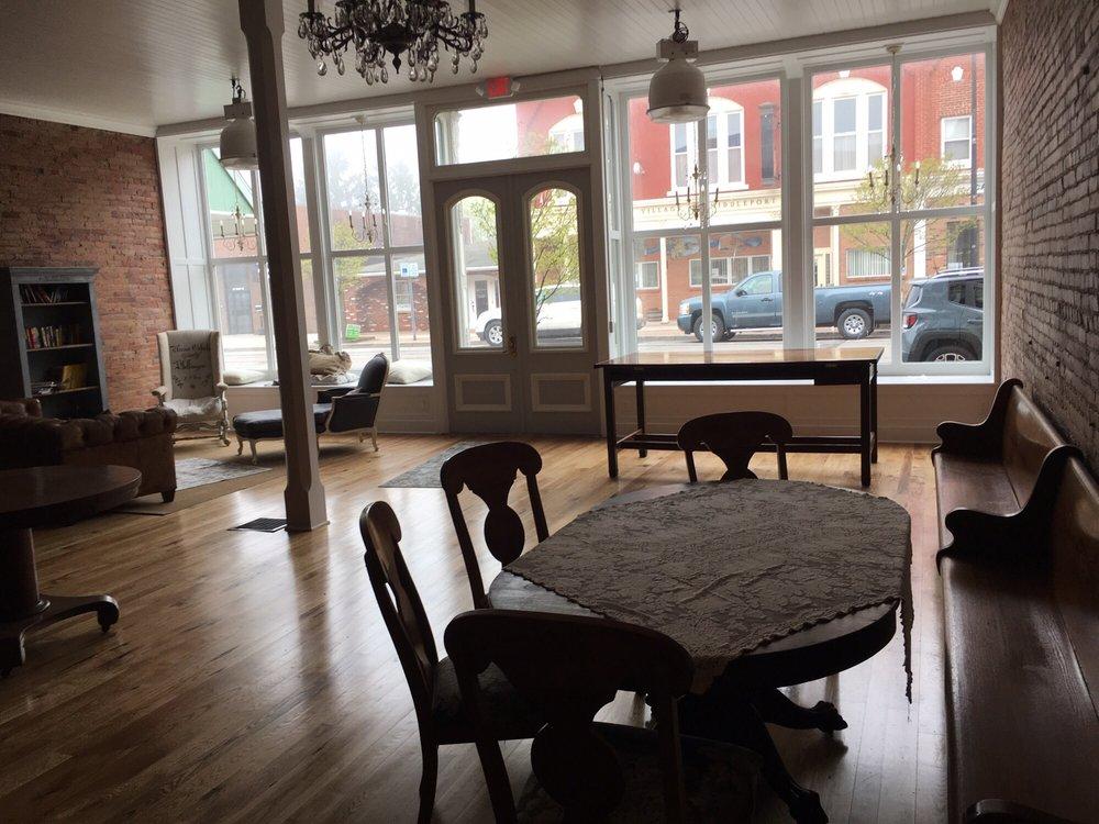 Alternative Grounds Caffe: 17 Main St, Middleport, NY