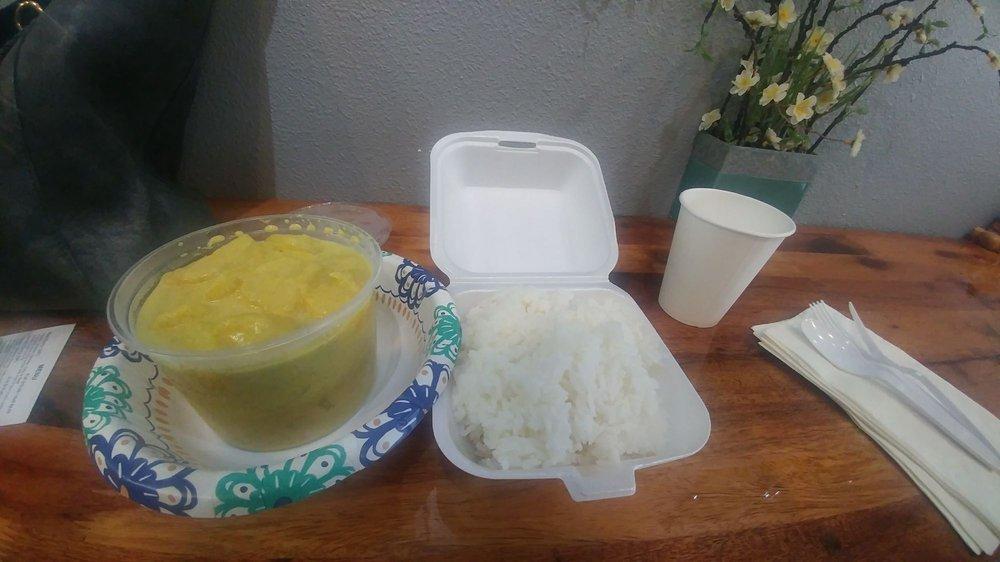 Kitchen of Thai Curries