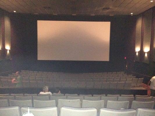 Amc Dutch Square 14 Showtimes Movie Tickets >> Amc Classic Dutch Square 14 421 Bush River Rd Columbia Sc Movie