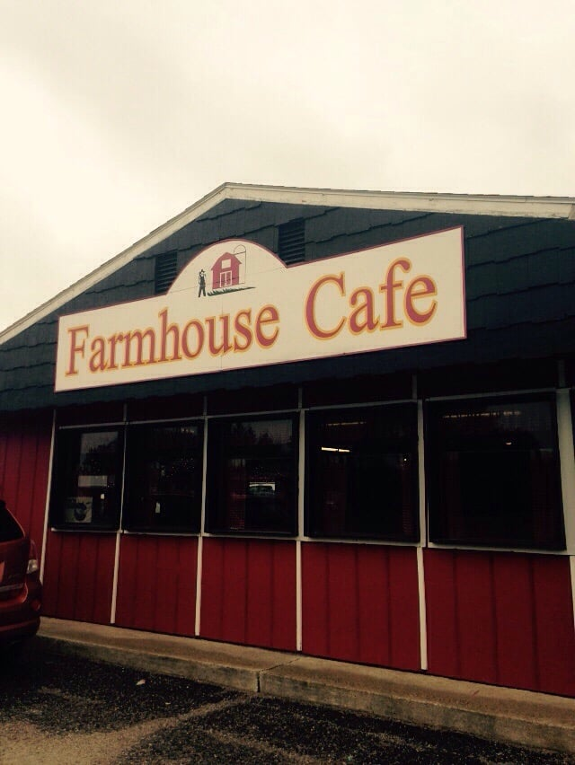 Farmhouse Cafe: 409 Hyw 71 E, Clarissa, MN