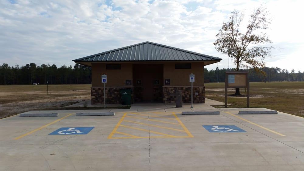 Lumberton City Park Disc Golf Course: 836 North Main, Lumberton, TX